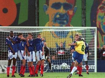 Fransa Brezilya Maçı Efsane Frikik